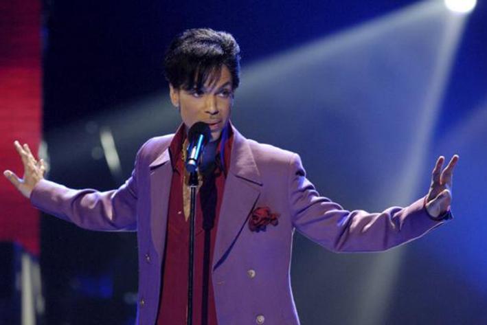 Prince es hospitalizado de urgencia