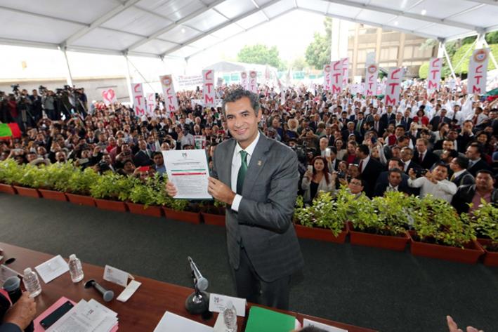 Se registra Ochoa Reza  como candidato a  presidencia del PRI