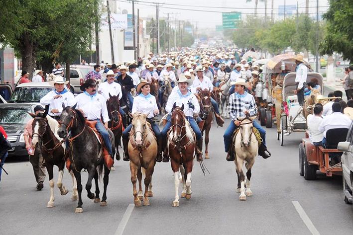 Festejan con cabalgata  Aniversario de Monclova