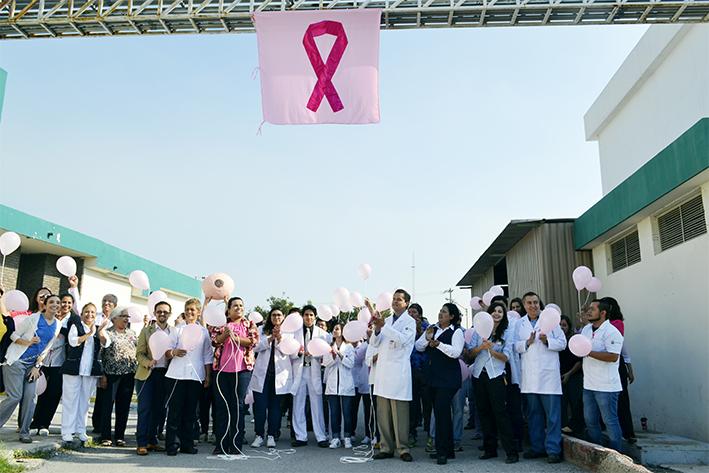Luchan contra el cáncer de mama