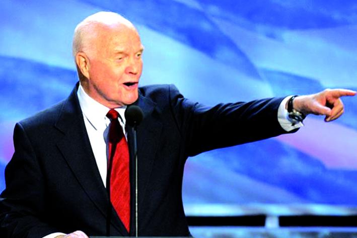 Muere John Glenn a los 95 años