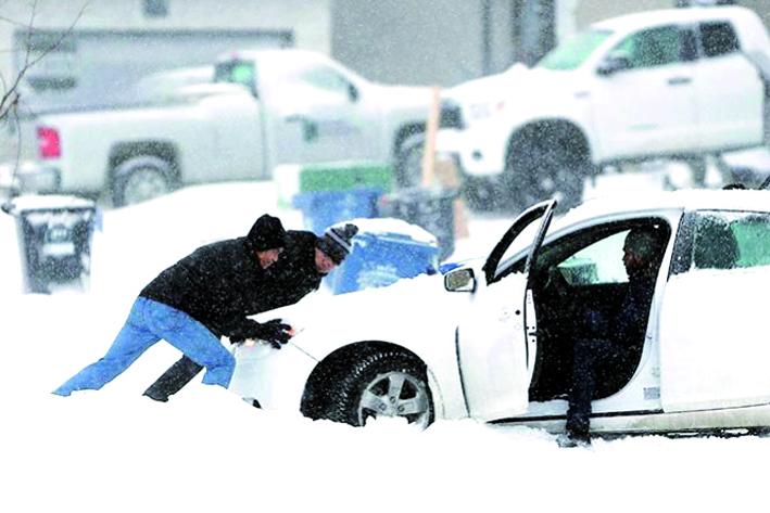 Nieve provoca choque en Michigan