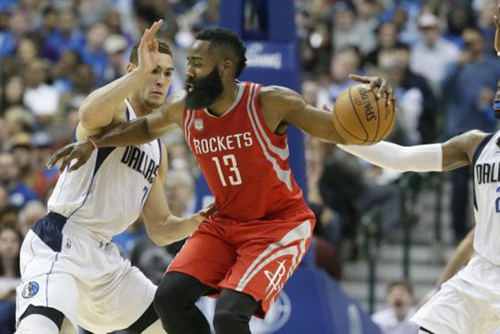 Rockets barren con Mavericks de Dallas