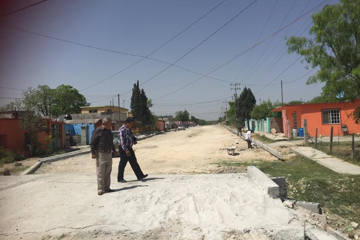 Avance de obras de pavimentación y drenaje