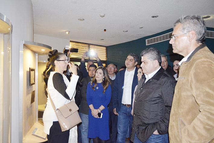 Inauguran Exvotos de Parras en Museo Pape
