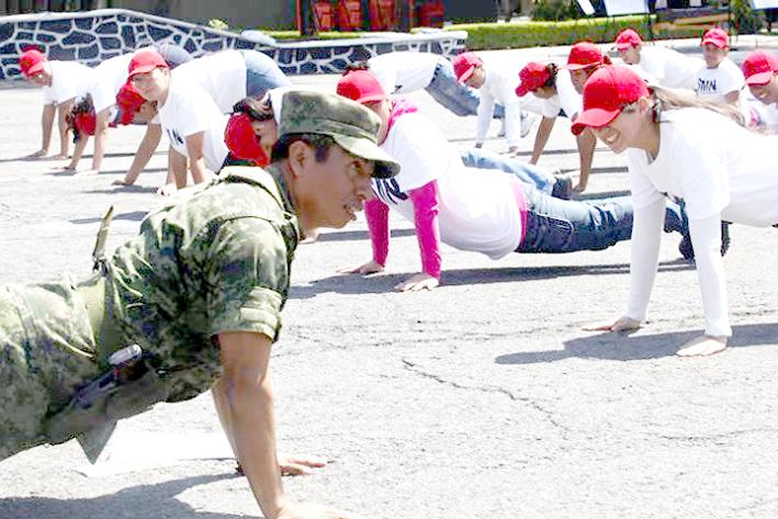 Convoca SEDENA a mujeres a hacer el servicio militar