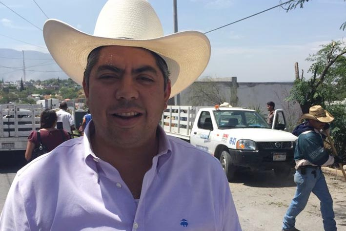 Alfredo Paredes traerá escoltas