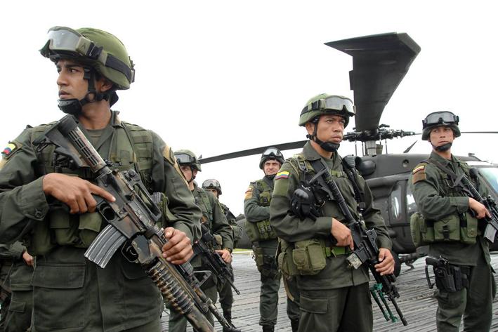 Mueren 10 disidentes de FARC en bombardeo en Colombia