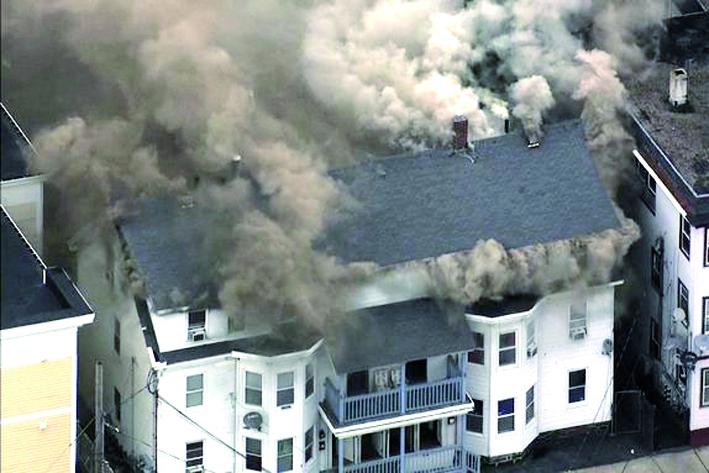 Evacuan a residentes en Massachusetts tras multiples explosiones