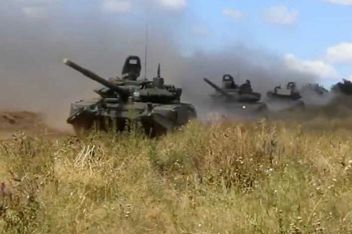 Realiza Rusia sus mayores maniobras militares