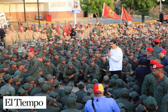 General cercano a Hugo Chávez pide a militares desconocer a Maduro