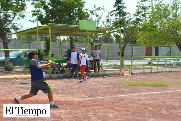 Rehabilitan espacios deportivos