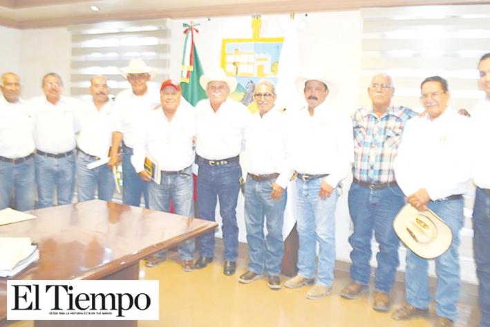 Invita Lencho a sus directores mantener el ritmo de trabajo
