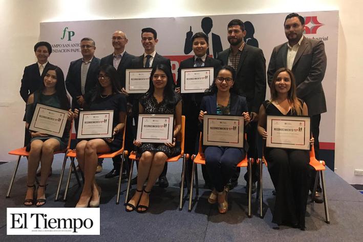 Entregan reconocimientos a jóvenes del programa líderes