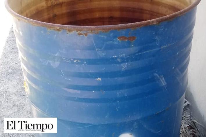 Acusan a SIMAS de negarles la instalación de red de agua