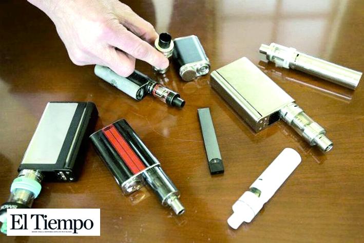 Decreta Trump prohibición a venta de cigarros electrónicos de sabores por misteriosa epidemia