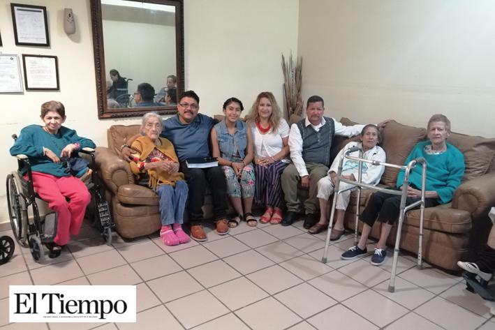 Visitan misioneros el Asilo Emmanuel