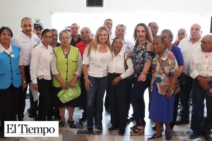 Lleva Marcela Gorgón apoyos para las familias Coahuilenses