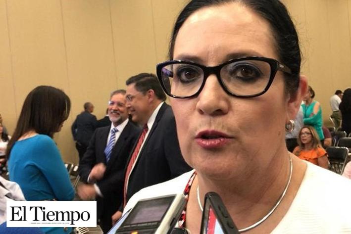 Contadores no hacen nada que el contribuyente no acepte, dice diputada por polémica del SAT