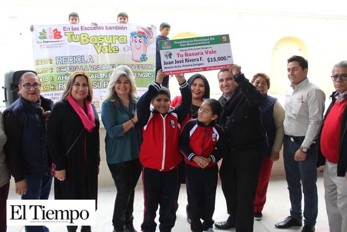 Reciben escuelas premiación del programa 'Tu Basura Vale'