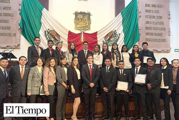 Sesiona el Parlamento Juvenil Coahuila 2019