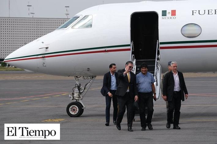 No llegó solo... ellos acompañaron a Evo Morales en su traslado a México