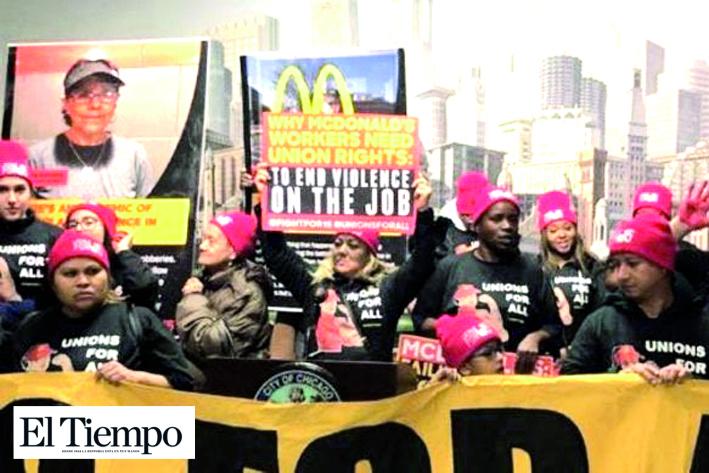 Protestan trabajadores de McDonalds en Chicago contra violencia que viven en tiendas