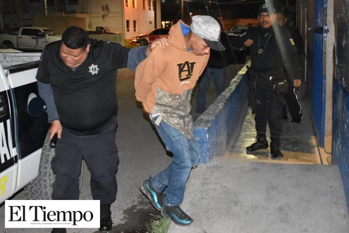 POR ANDAR HUSMEANDO LO ENCIERRAN EN LA CÁRCEL