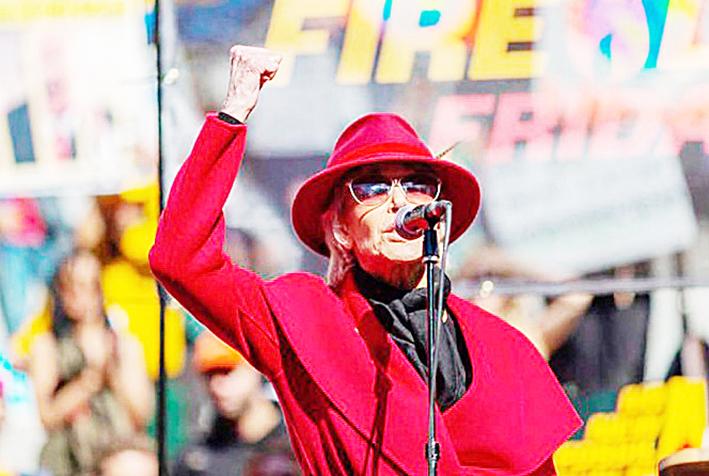 Jane Fonda continuará lucha contra cambio climático, pero en línea