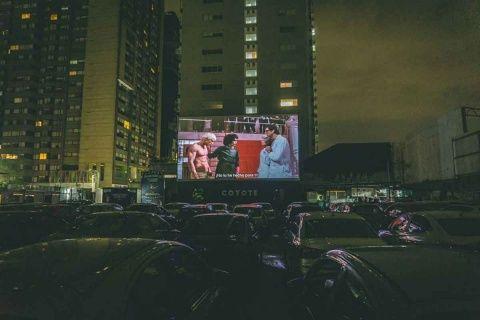 Cines alistan regreso a nueva normalidad… en autocinema