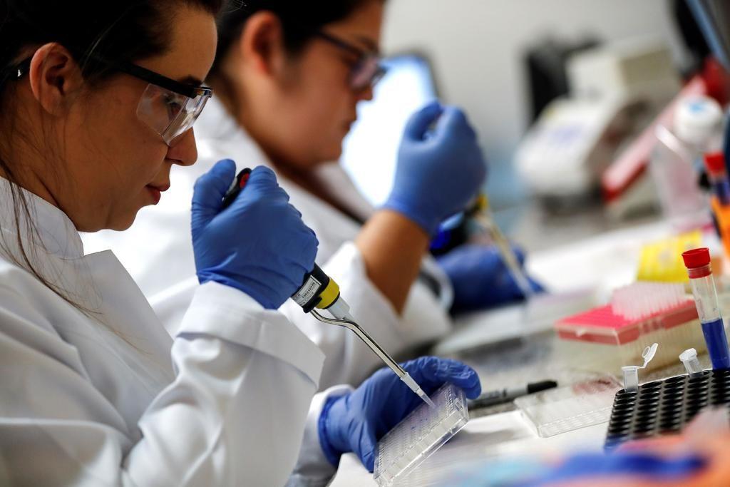 Comienza Brasil a  probar la vacuna  en plena pandemia