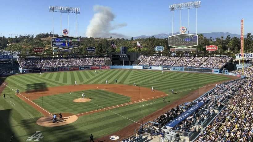 Familia de latinos demanda a Dodgers