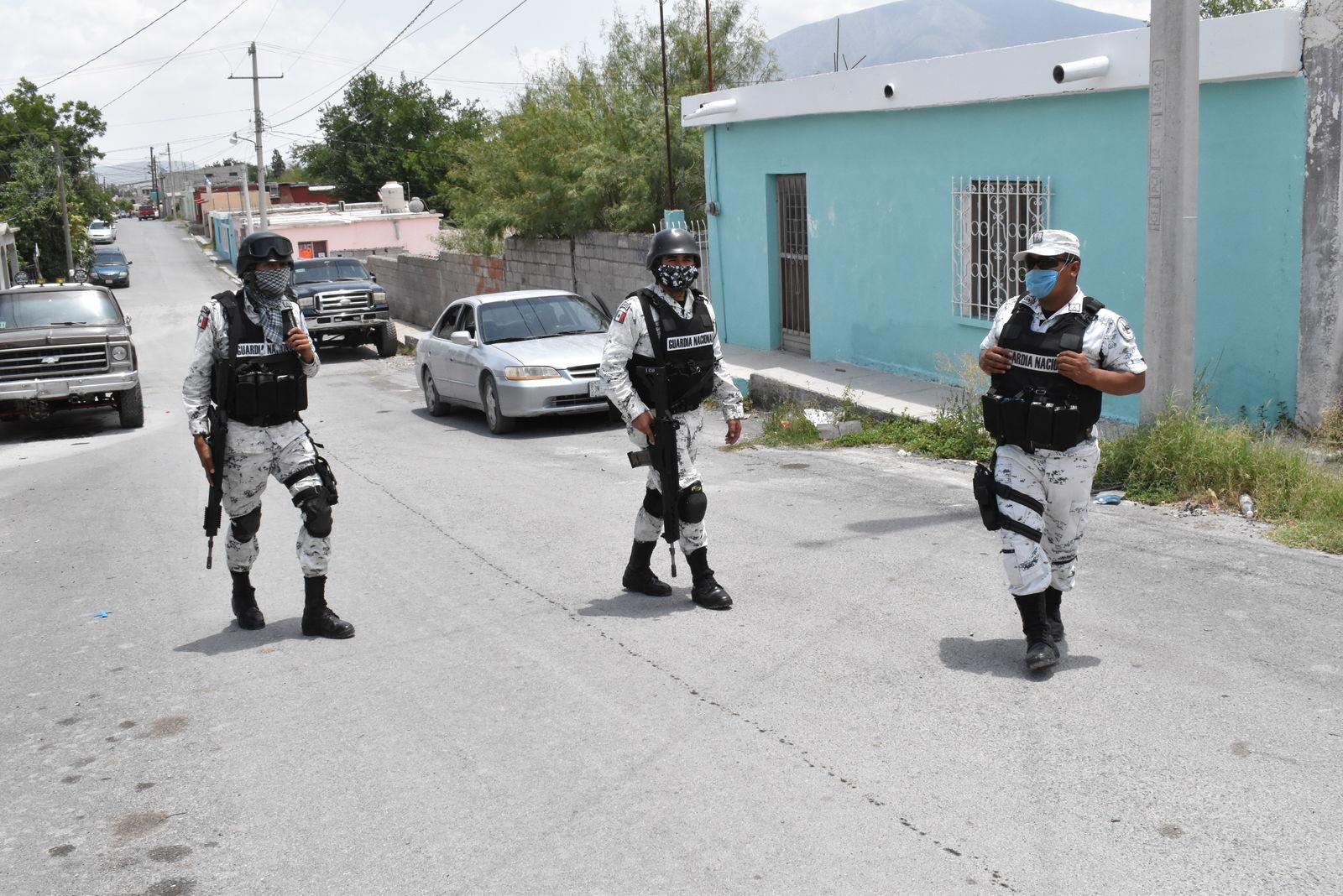 Recorre calles la  guardia nacional