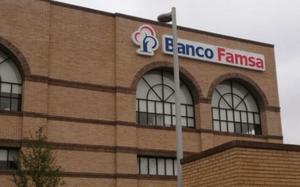 Se cae página que devolverá ahorros de Banco Famsa; exigen su dinero