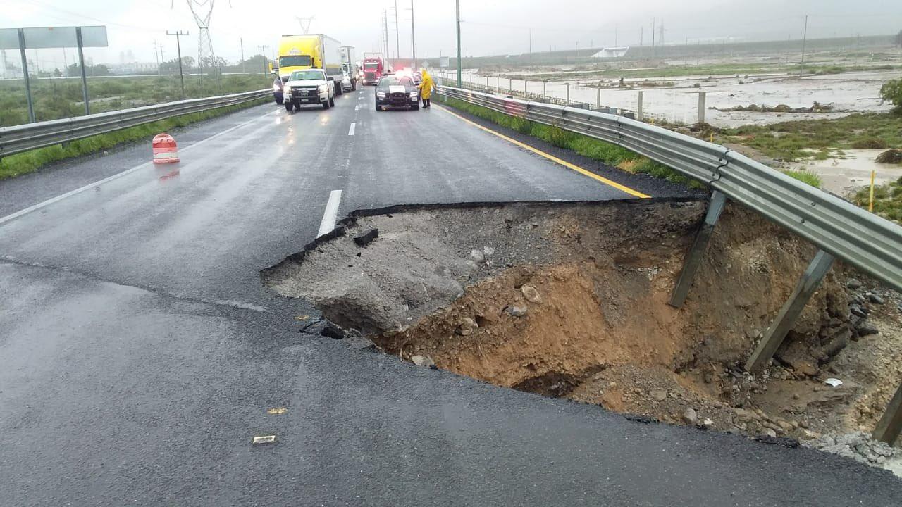 Cierre total de la carretera Monterrey-Saltillo, circulación se desvía a carretera Monclova