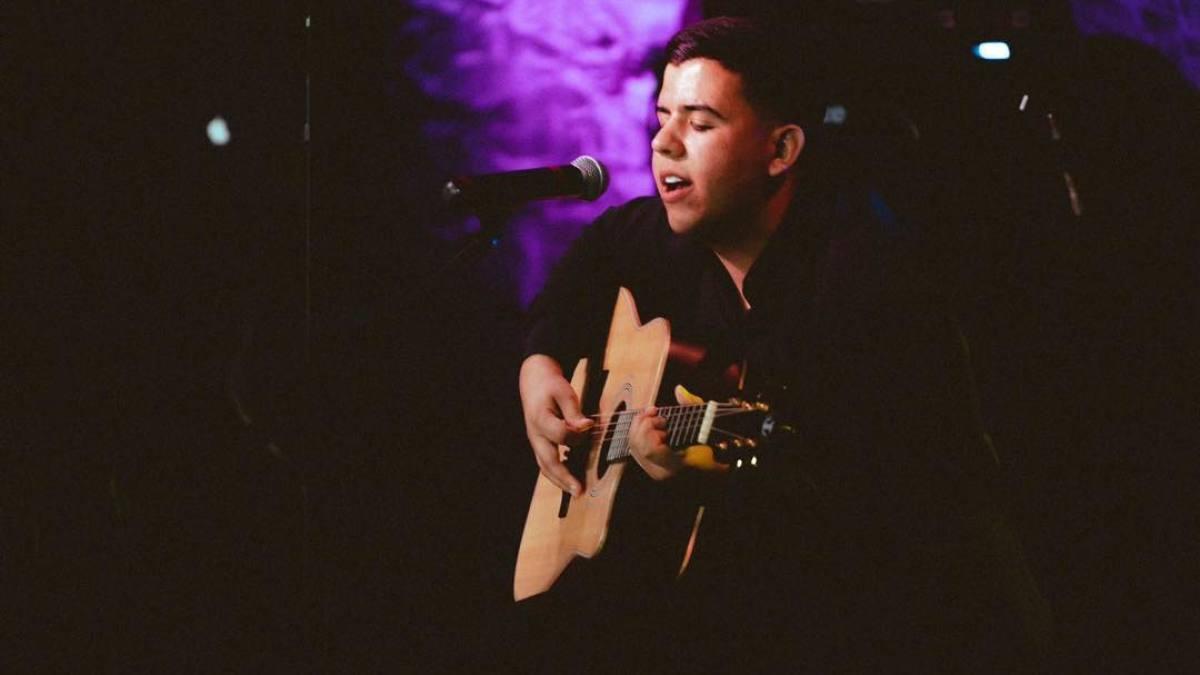 Rubén Salazar compositor mexicano decide subir al escenario