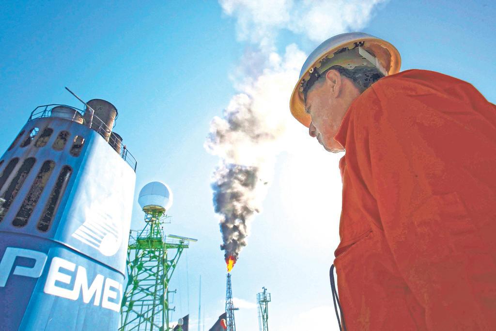 Entre enero y junio, caen ingresos petroleros 41.3 % en México