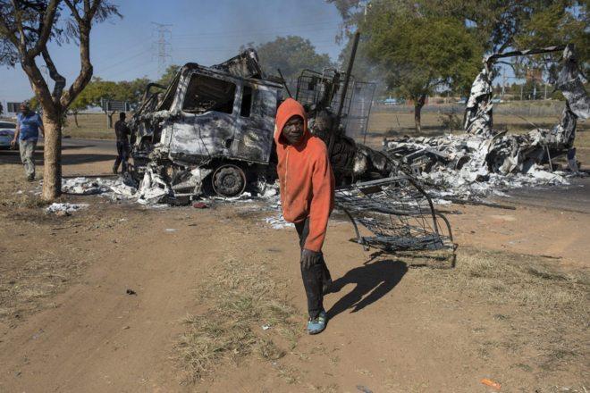 Sudáfrica registra una media de casi 116 violaciones por día