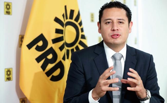 PRD también pide despido de López-Gatell