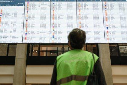 Bruselas pide un código de colores común a toda la UE para regular los viajes
