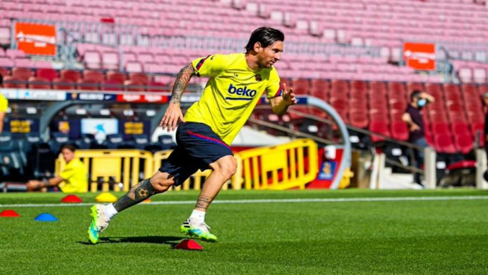 Messi aún no se presenta a entrenar con el Barcelona