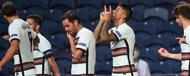 Portugal arrolló a Croacia