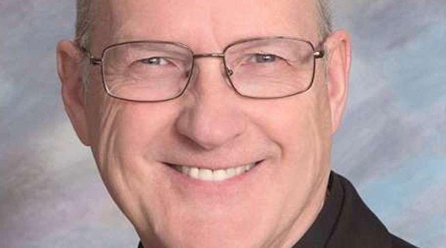 El papa acepta renuncia de obispo estadounidense acusado de abusos