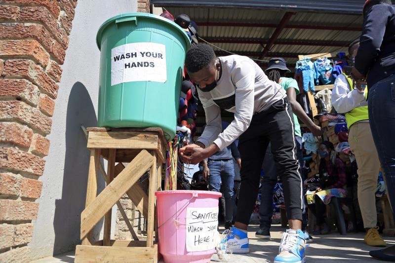 Grave riesgo de hambre en el sur de África se ceba con Zimbabue y Mozambique