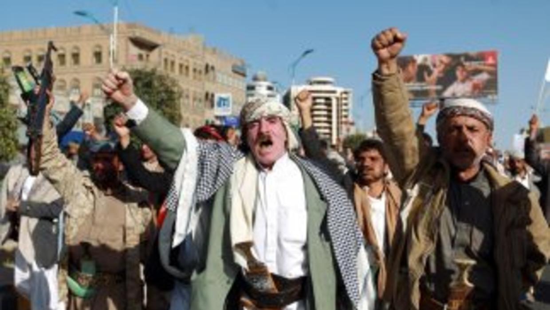 Hutíes amenazan a ONU con cerrar aeropuerto de Saná por falta de combustible