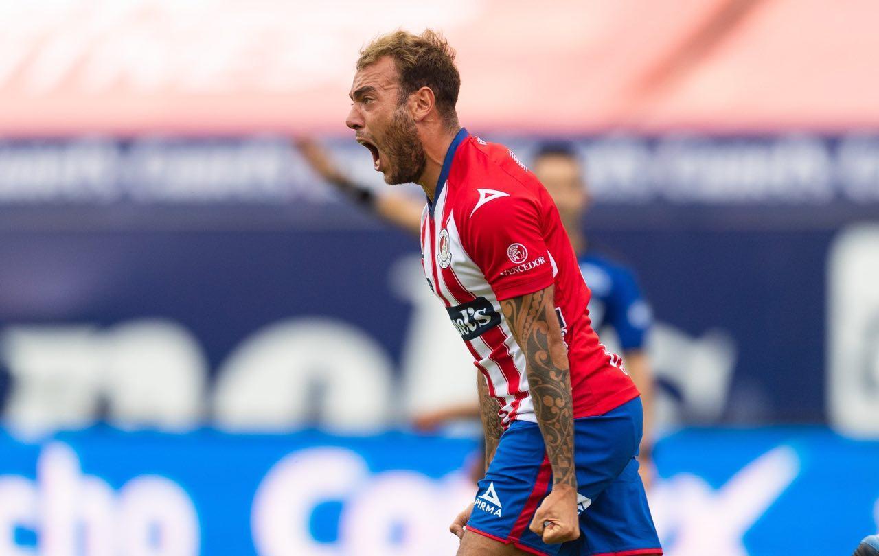 San Luis arruina debut del 'Profe' Cruz con Necaxa