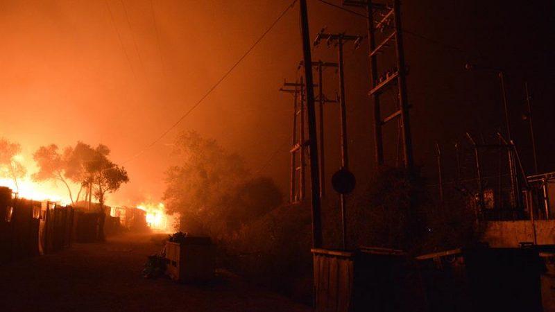 Bruselas financiará el traslado de menores de campo de Moria tras el incendio