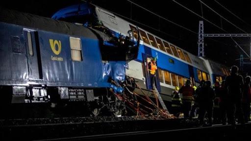 Veinte heridos en choque de trenes en la República Checa