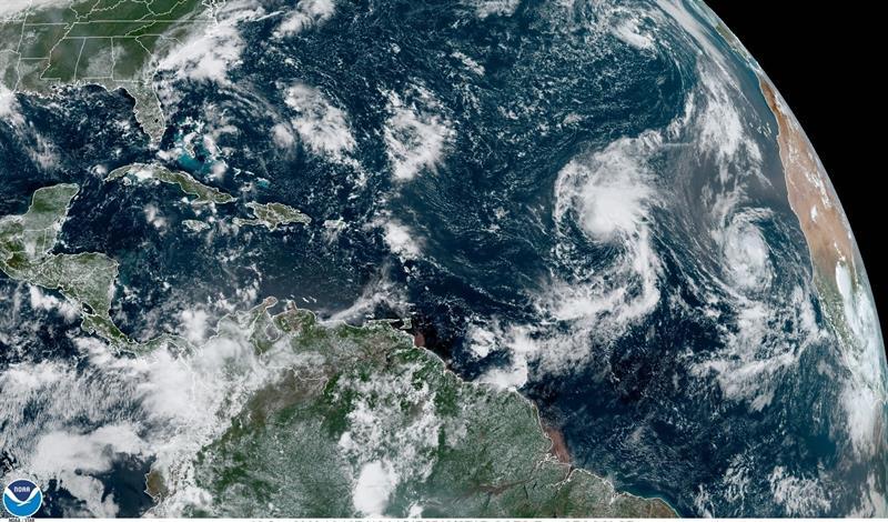 Rene pasa a depresión y Paulette sigue como tormenta en aguas del Atlántico