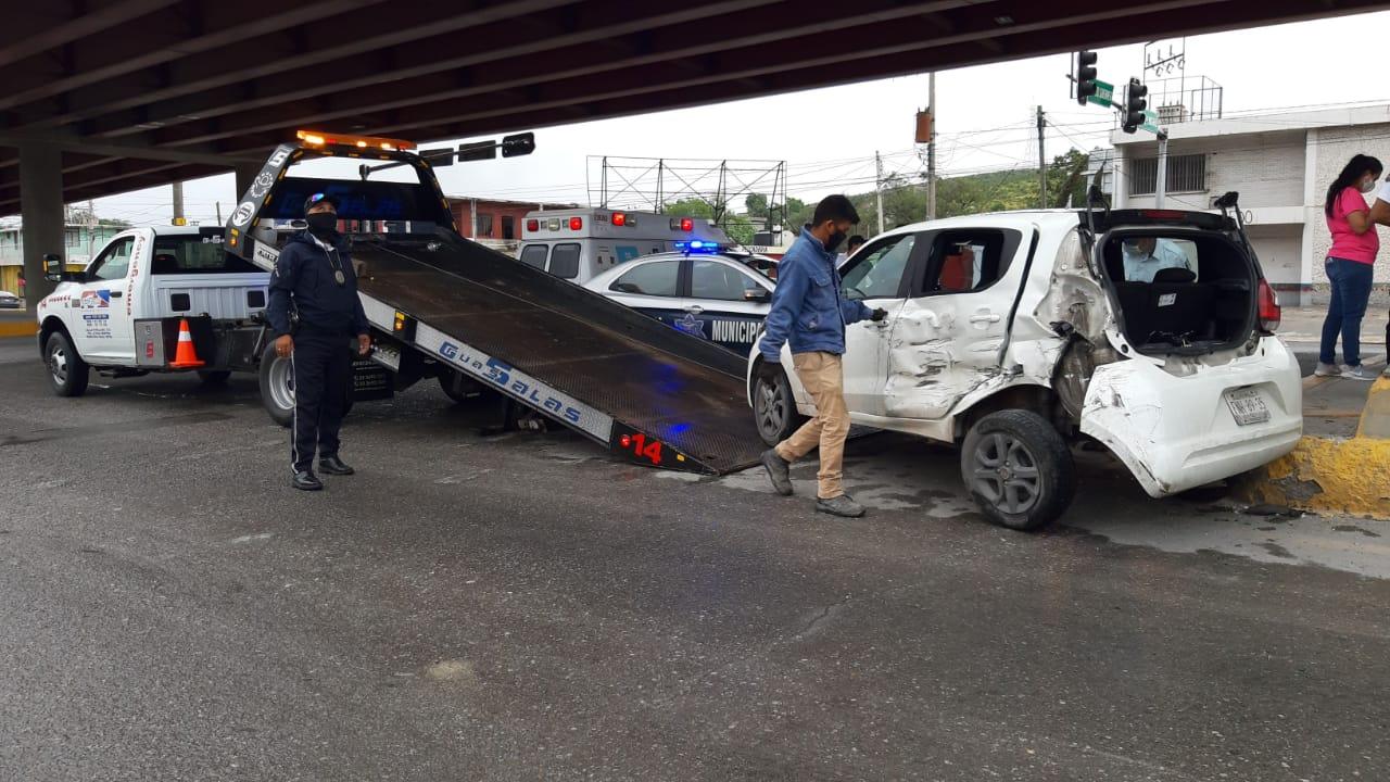 Impacto de trailer deja dos lesionados sobre Pape y Sidermex en Monclova